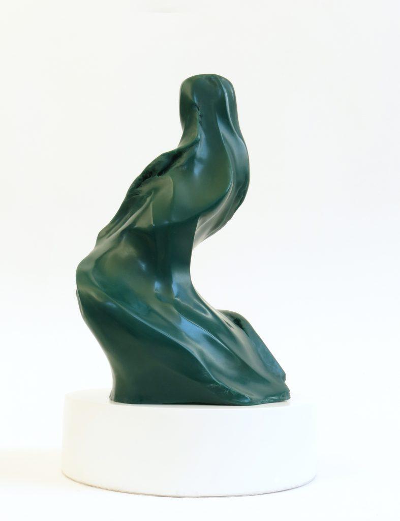 """De la serie INVOLUTATI, """"MD XV, Altivez"""", 2016, fibra de vidrio pulida, 50 x 28 x 32 cm."""
