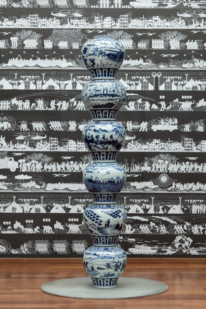 Stacked Porcelain Vases as a Pillar, 2017. Crédito_ Courtesy of Ai Weiwei Studio y Corpartes.