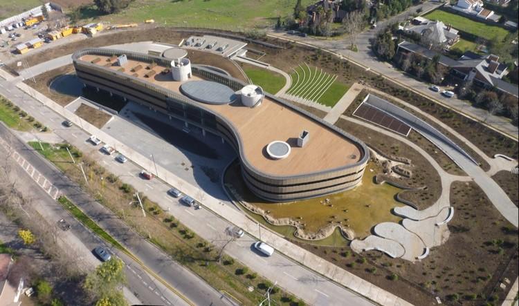 Fuente: http://www.emb.cl/construccion/articulo.mvc?xid=595&edi=26&xit=edificio-transoceanica-diseno-innovacion-y-sustentabilidad