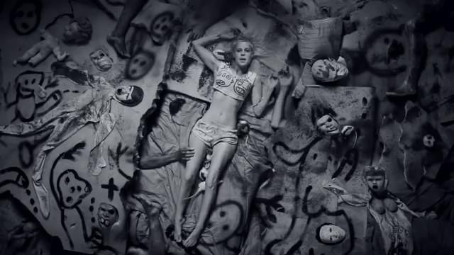 Fotograma del videoclip I Fink U Freeky by Die Antwoord