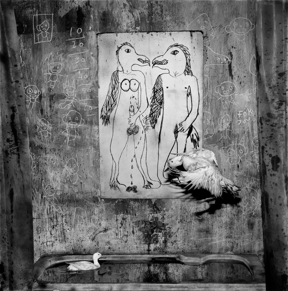 Fotograma del videoclip I Fink U Freeky by Die Antwoord, Rendezvous
