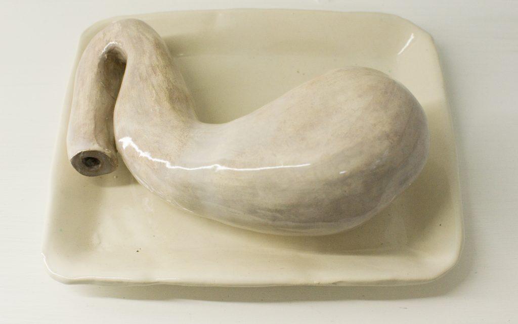 María Villanueva, Cartografías del cuerpo, Estómago, 2018, cerámica esmaltadas.